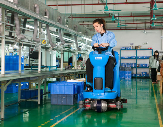 Ce Automatic Smart Ride-on Scrubber Dryer