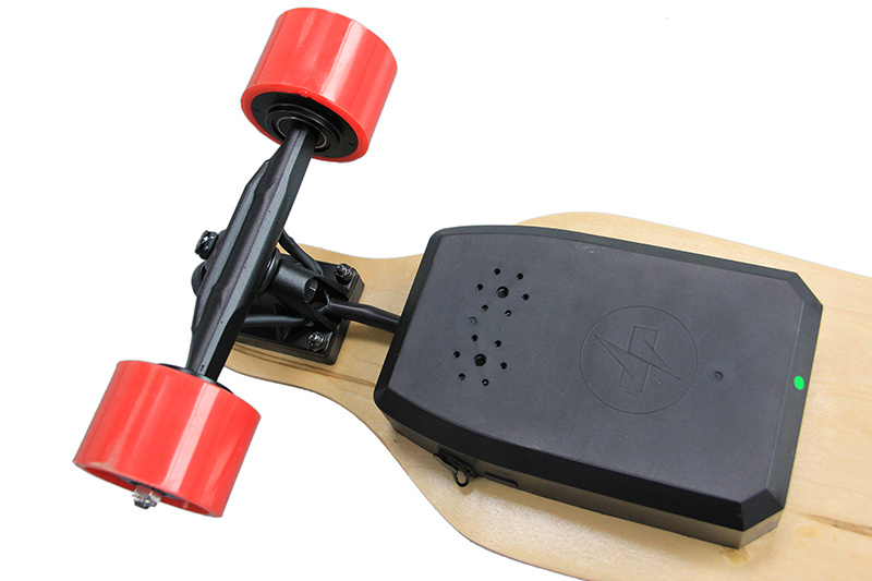 Factory Supply Hub Motor 4 Wheels Remote Control Electric Skateboard