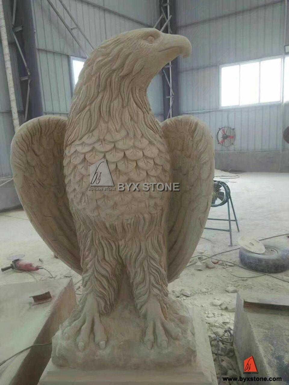 Beige Sandstone Eagle Caving Animal Sculpture for Garden Decoration