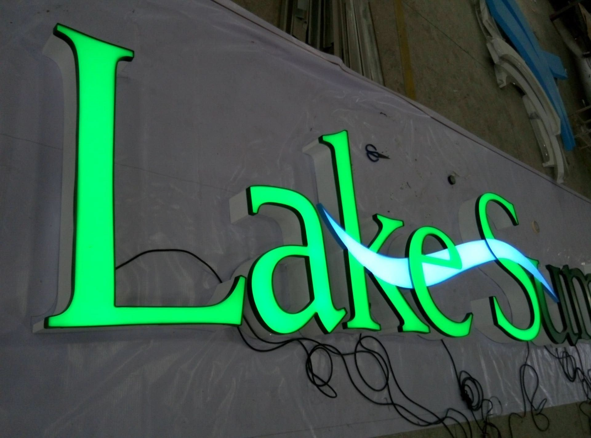 High Quality 3D LED Lit Resin/Acrylic/Vinly Letters Sign