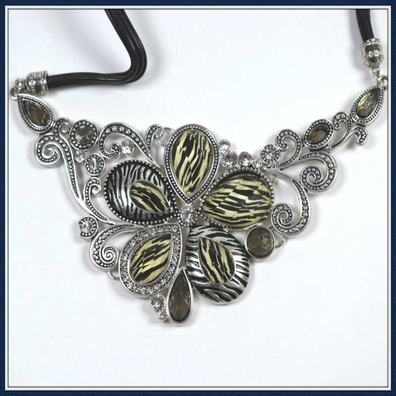 New Item Design Resin Flower Pendant Necklace Fashion Jewellery