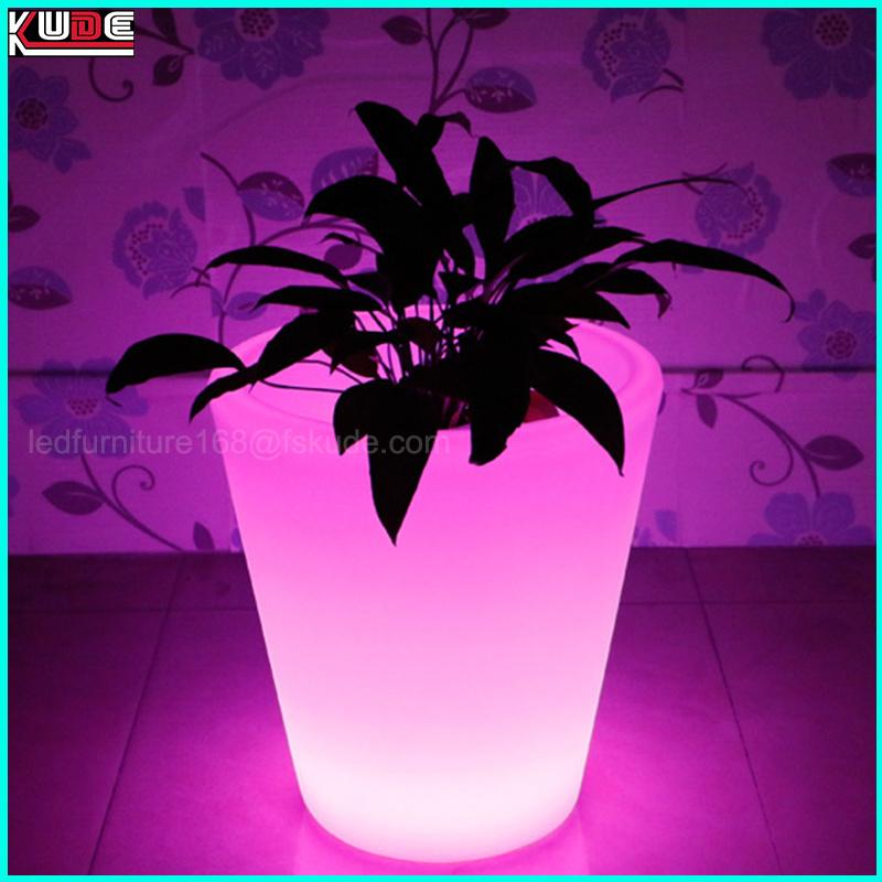 Illuminated Garden Flower Pot LED Light up Outdoor Planters