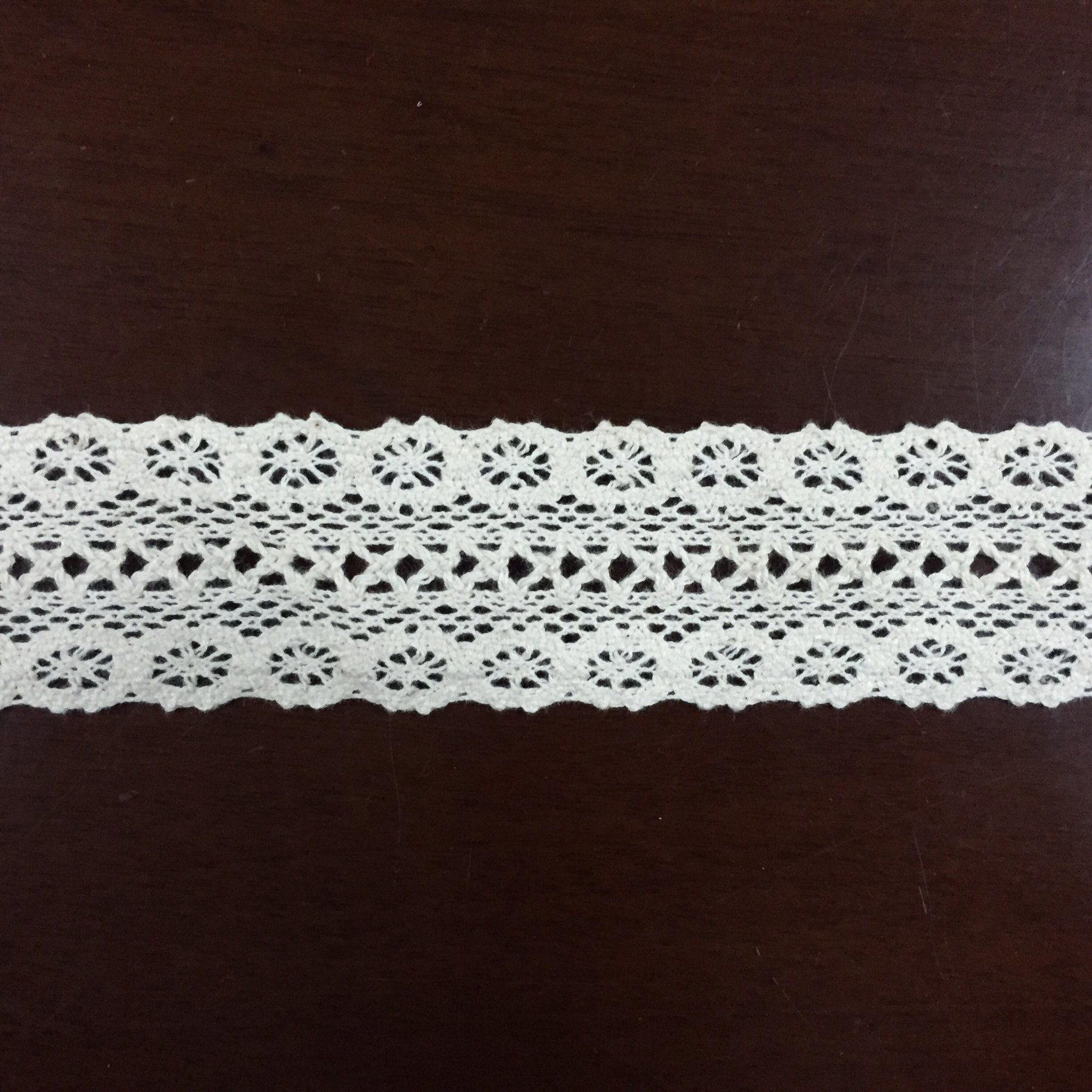 Cheap Fashion Cotton Embroidery Lace Fabric for Garment Factory