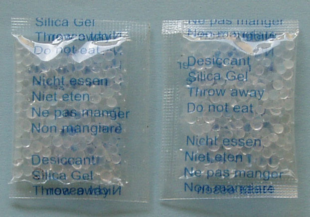 Silica Gel Desiccant in OPP Bag with 5 Languages Printing, Mainly for Sweets, Candy, Chewing Gum, Bubble Gum