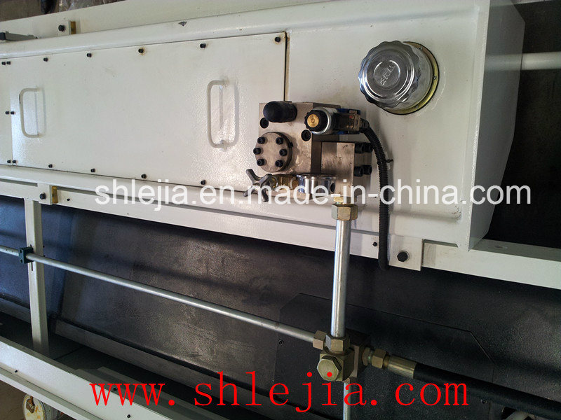 Hydraulic Swing Beam Shearing Machine (QC12KS)