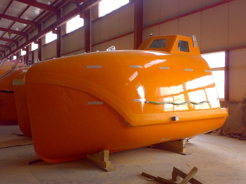 Solas /Med Approved Marine Lifesaving Equipment 16 Persons Free Fall Lifeboat with Davit