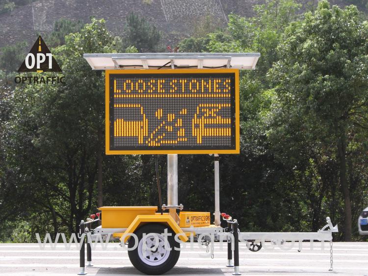 Colorful Solar Powered Traffic Control Hydraulic Lifting System Vms Trailer