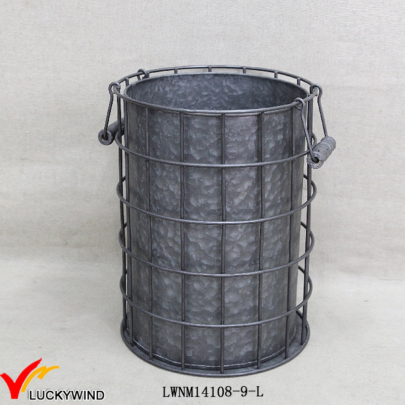 Outdoor Vintage Galvanized Metal Bucket Planters