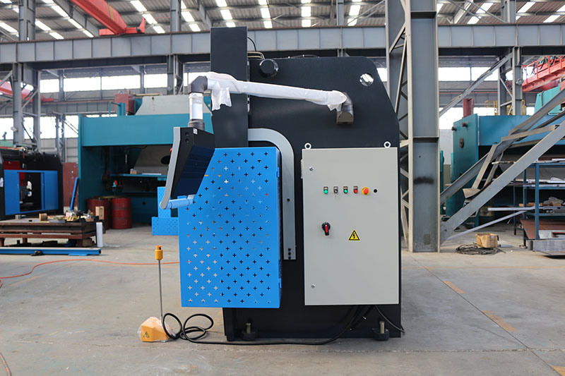 MB8 100tx3200 Da66t CNC Sheet Bending Machine