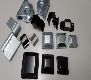 Powder Coated Galvanized Steel Square Fencing Post Cap Component