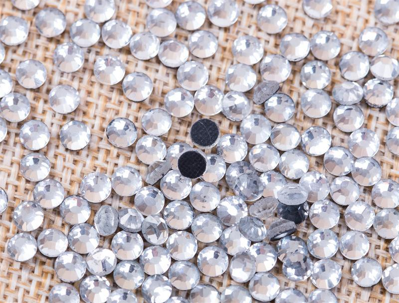 Ss20 Clear Crystal Hot-Fix Flat Back Crystal Rhinestones for Nail Art Rgd-001A