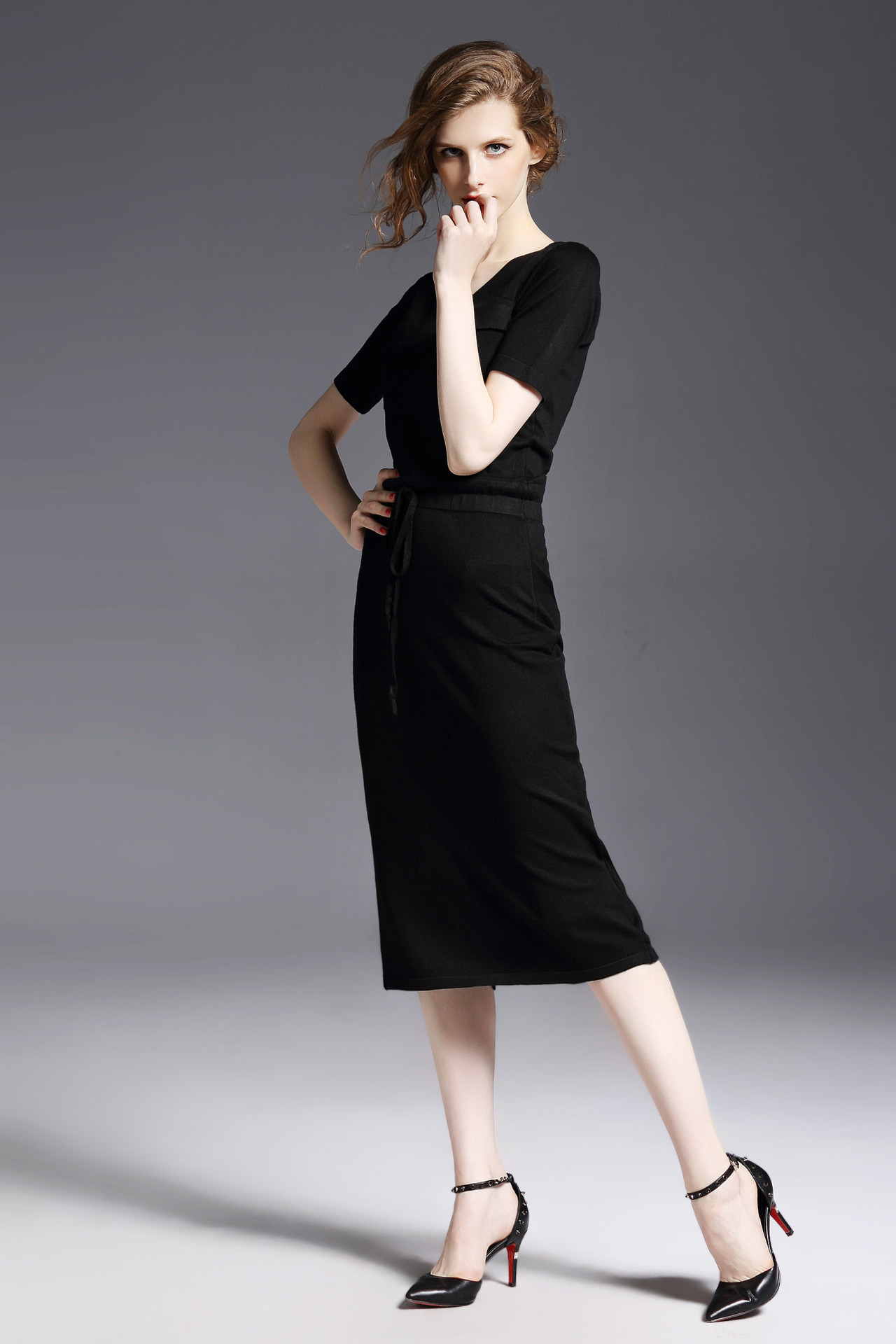 OEM Service Fashion European Hot Sale Knitted Lady Dress