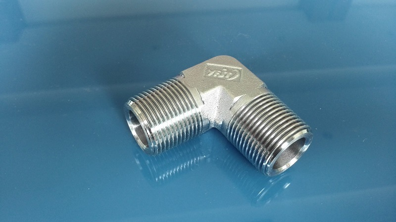 NPT Male 90 Elbow Tube Fitting (1N9)