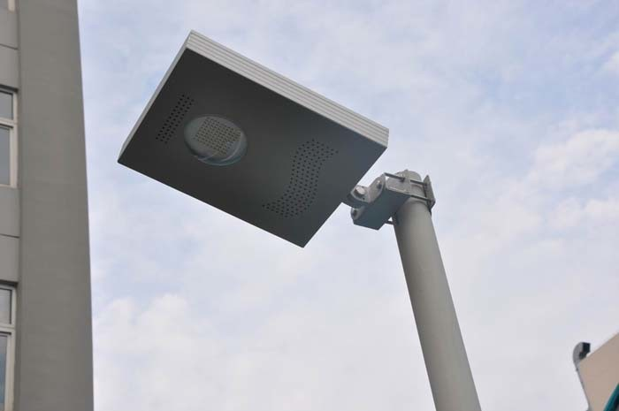 LED Solar Street Light with CE, RoHS From China Factory
