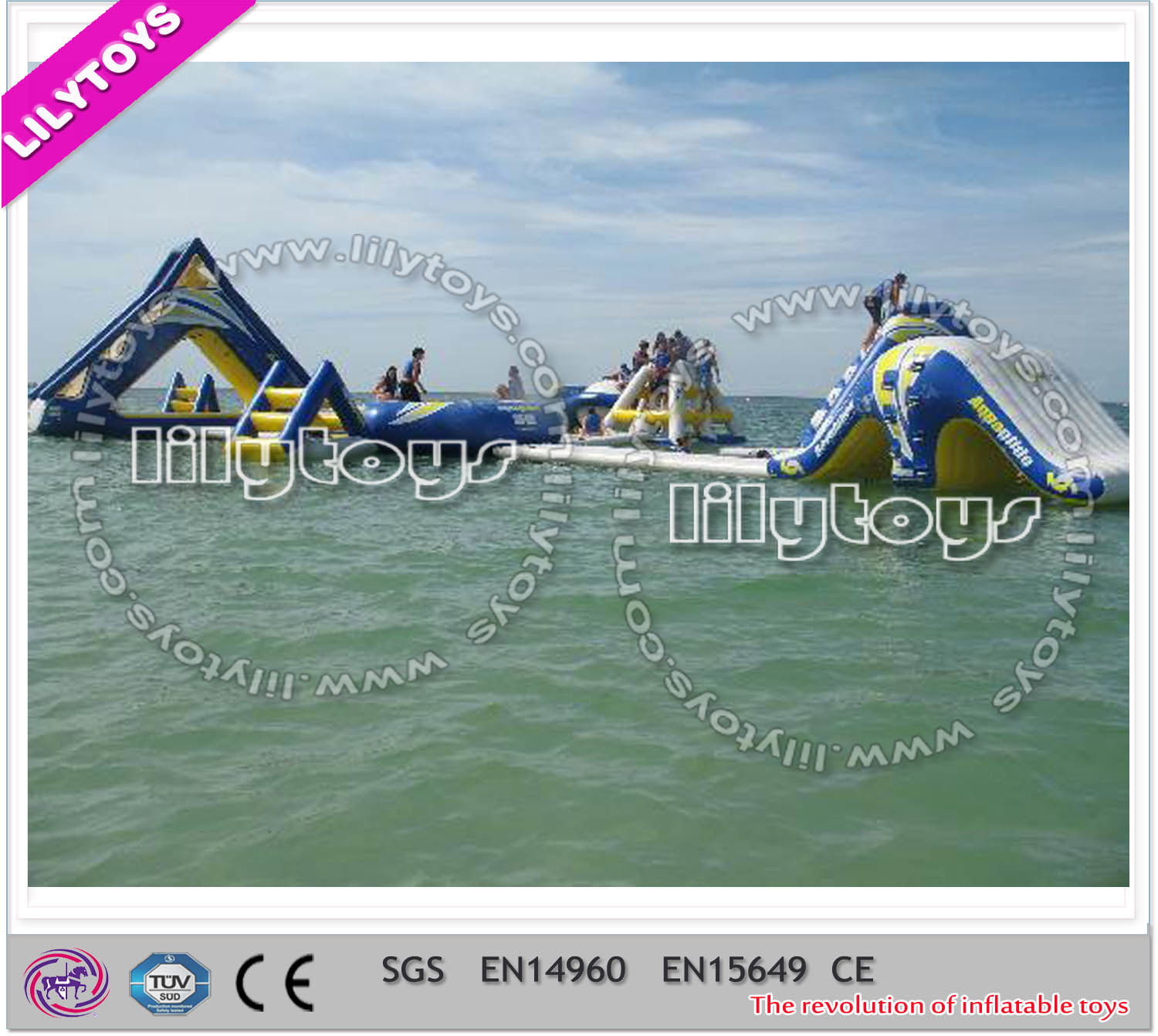 China mercial Floating Water Game Giant Adult Water Park