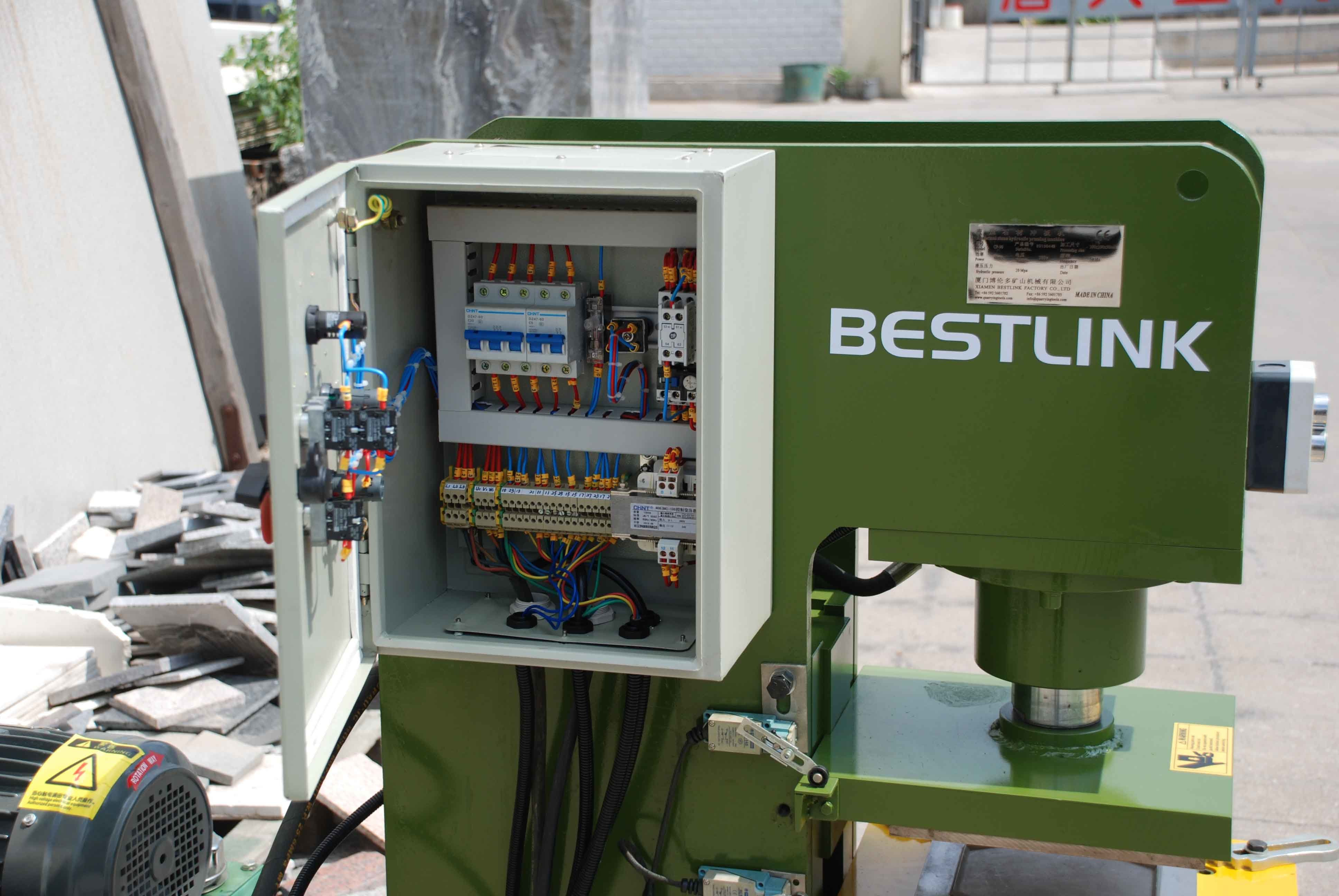 Multi Functional Hydraulic Stone Recycling Press Machine