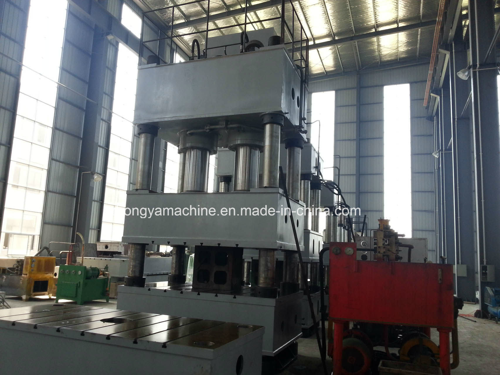 China Good Price Hydraulic Press Y32-1200ton