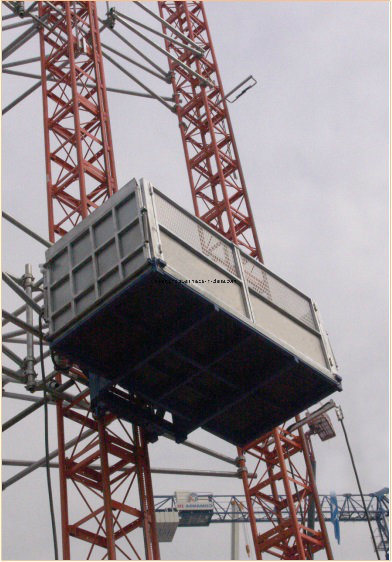 New Twin Mast Section Material Hoist Used for Big Vertical Transprotation