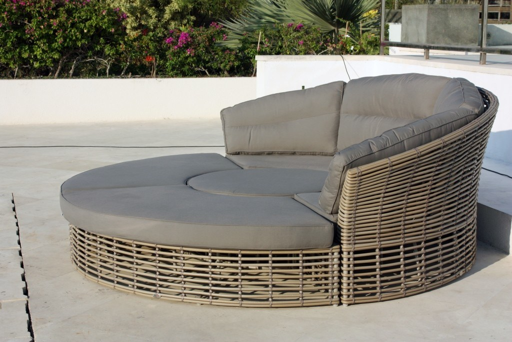 Garden Round Artisanal Weather Resistant Cushions Rattan Sofa Day Bed 7 Seats