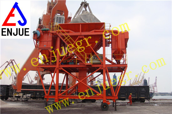 Rubber Tyre Wheels Type Dust Proof Port Hopper for Bulk Cargo Mobile Unloading