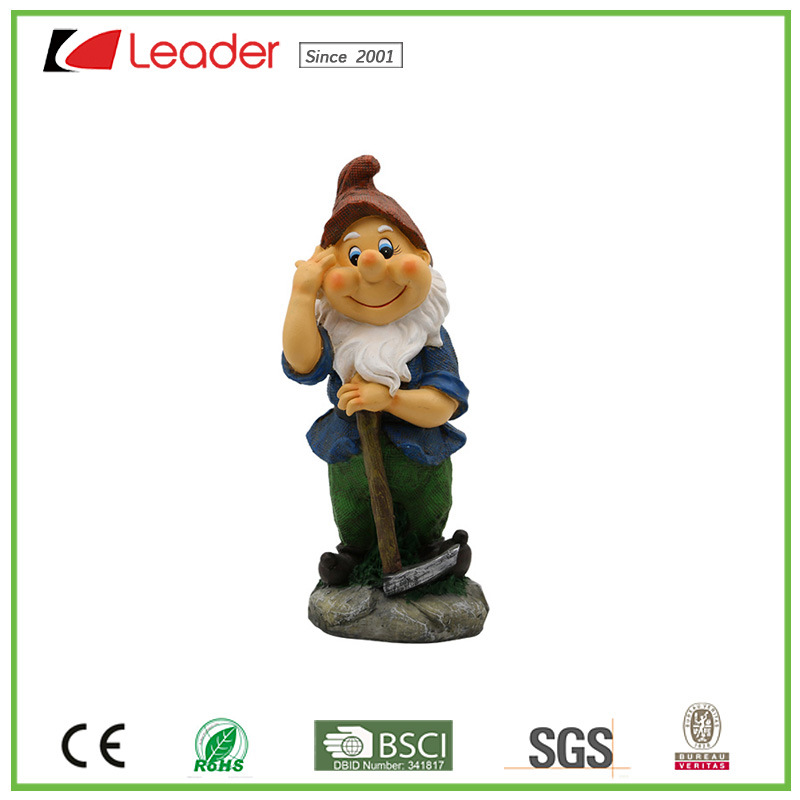 Lovely High Quality Resin Gnome Statue with a Hoe for Garden Ornaments