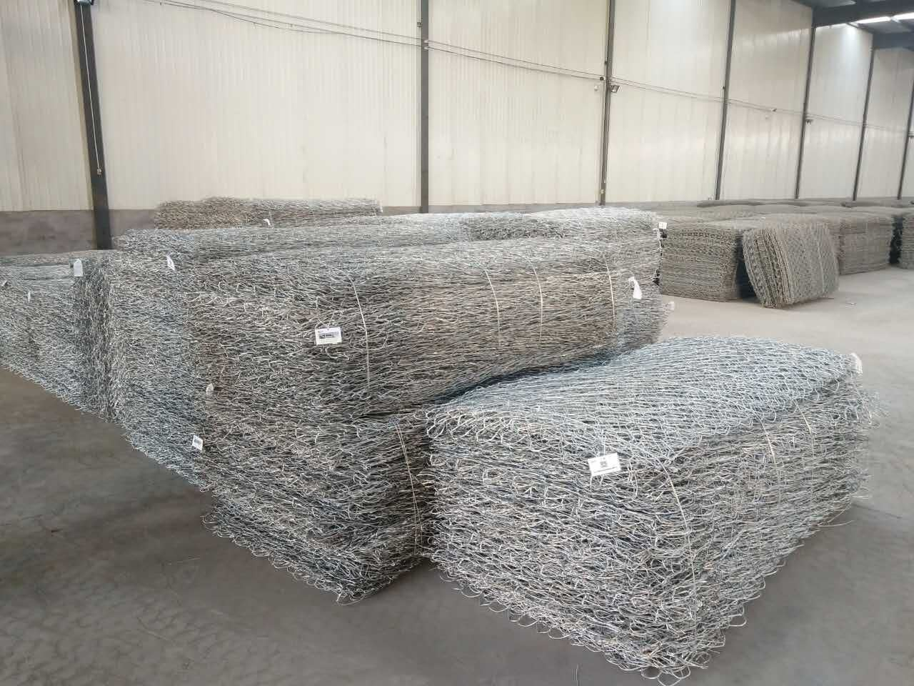 Hot Sale Best Price Wire 2.7mm 6X8 & 8X10cm 2*1*1m Gabion Baskets Wall