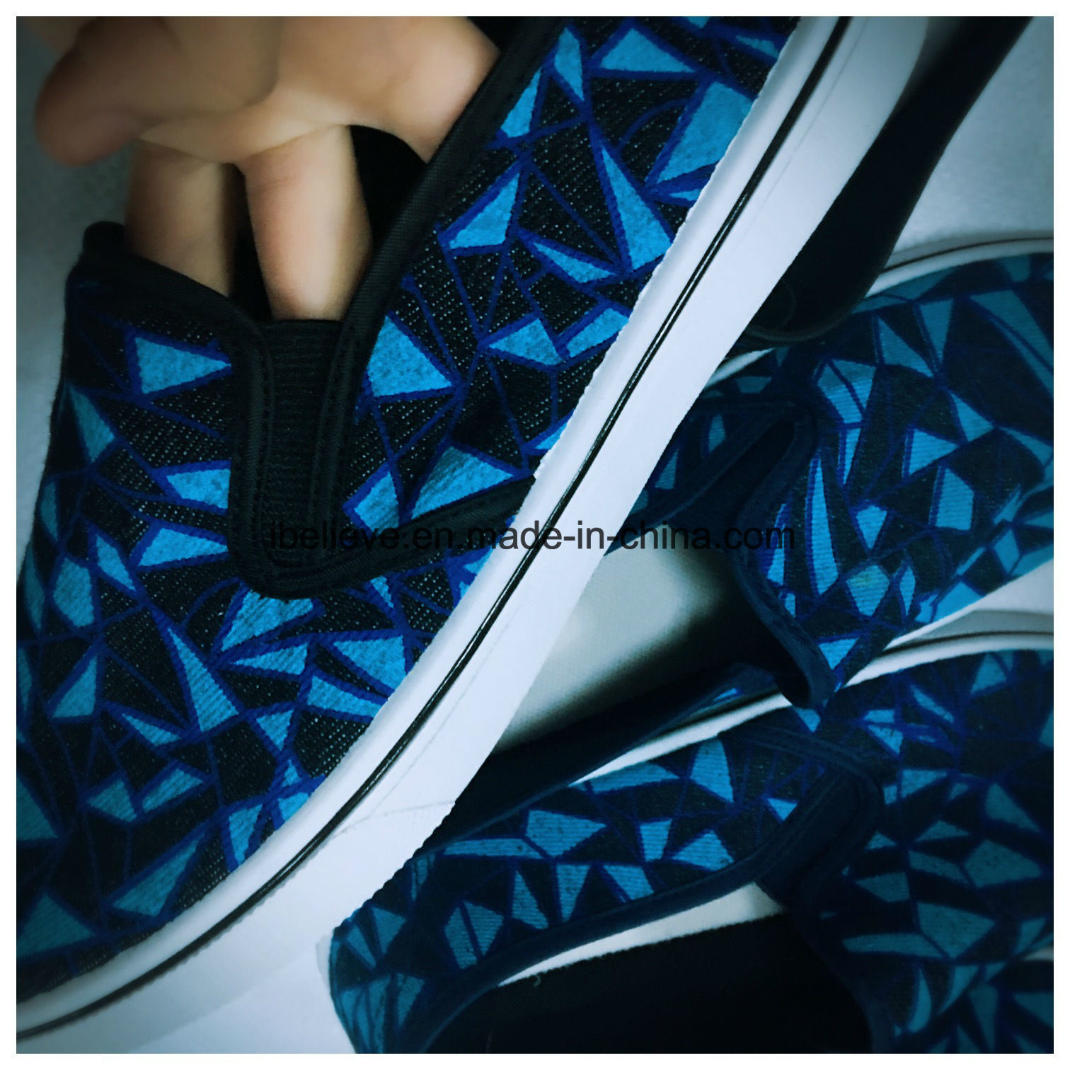 Men Slipper Lazy Shoes Design with Different Printing