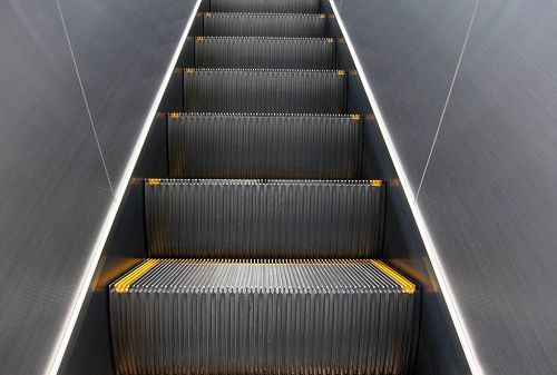 Market Escalator Indoor and Outdoor with Hairline Sts