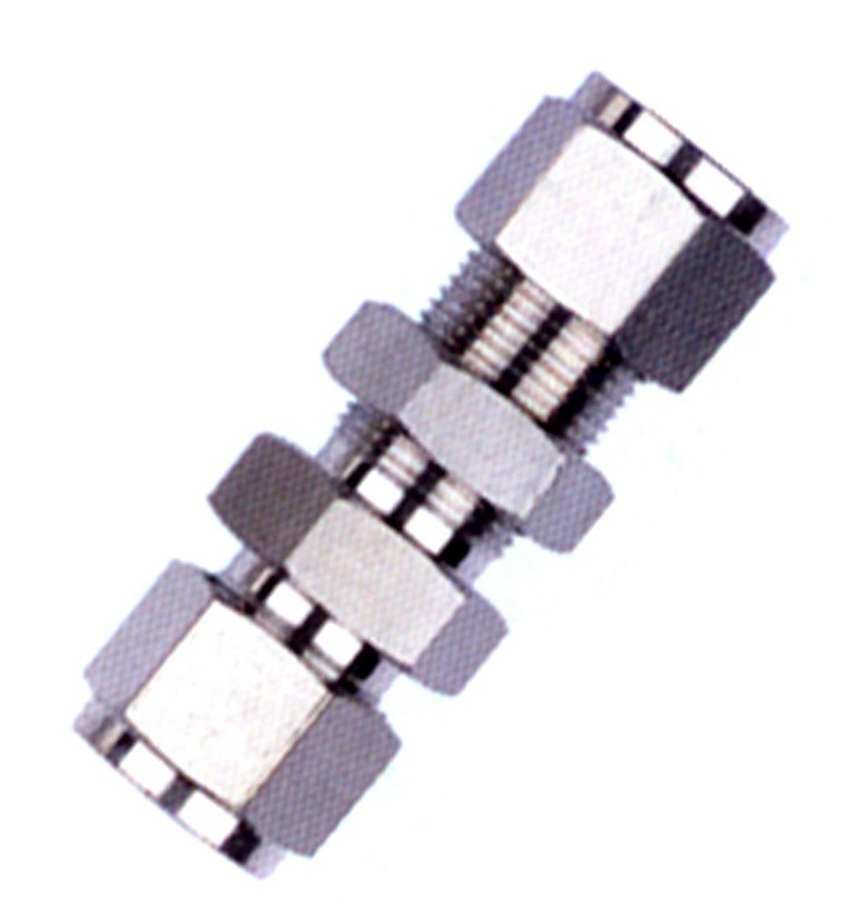 China stainless steel bulkhead union connector compression