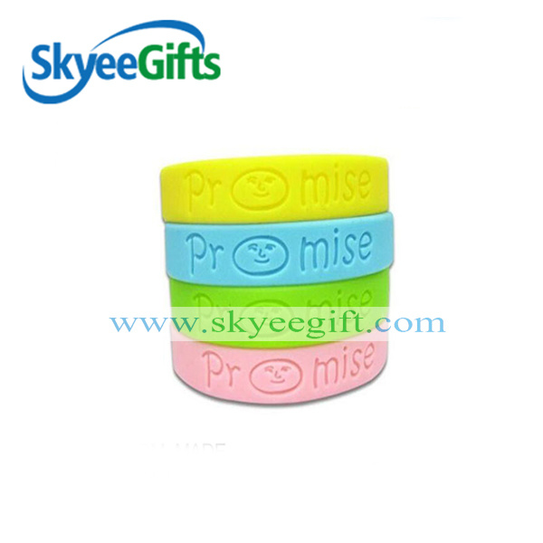 Custom Silicone Bracelet Debossed Silicone Wristband with Logo