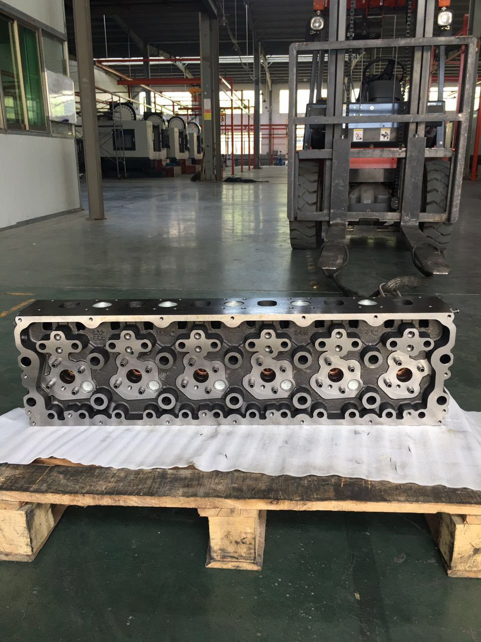 Cylinder Head Engine Part for Renault Dci11