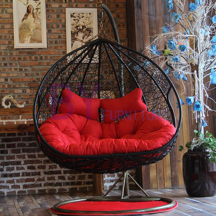 Comfortable PE Rattan Garden Swing Chair