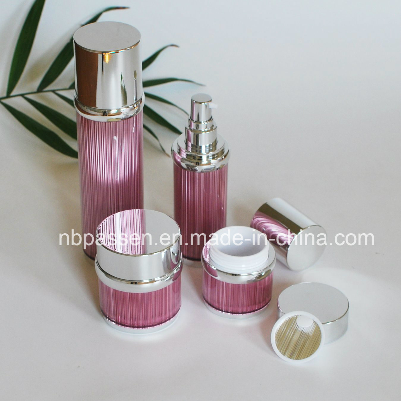 New Pink Acrylic Cream Jar Lotion Bottle for Cosmetics (PPC-NEW-104)