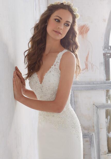 Sheath Sleeveless Keyhole Back Lace Bodice Chapel Train Wedding Bridal Dress Gown