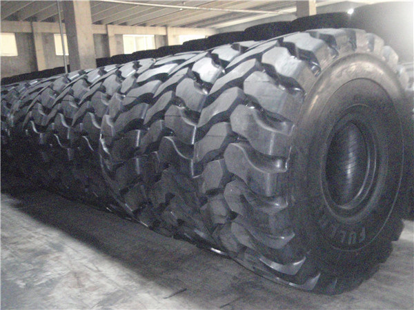 All Steel Radial Tire Hilo Brand 18.00r33 29.5r29 27.00r49 Heavy Loader Tire for Mine, OTR Tire