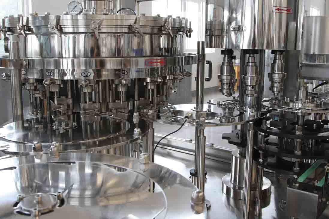 China Carbonated Beverage Bottle Filling Machine China