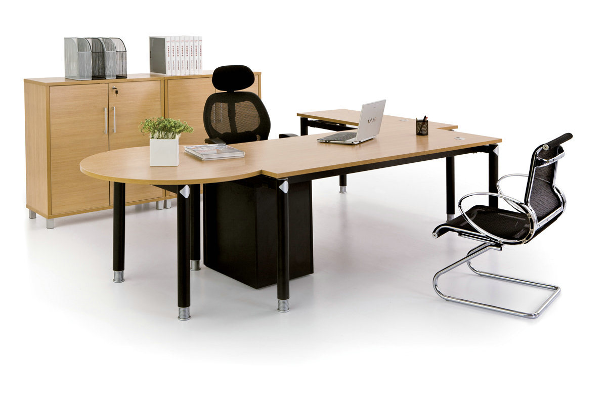 China Modern Office Furniture MFC Wooden MDF Office Table (NS-NW047)