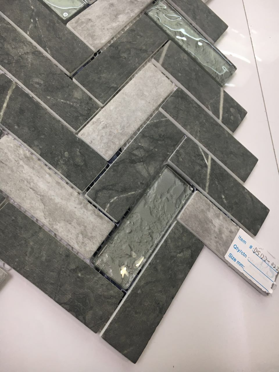 Newest Technology Ink Jet Printing Herringbone Glass Mosaic Tile