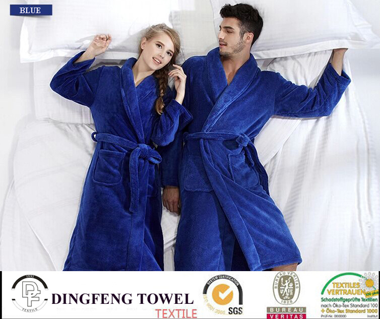 2015 Professional Sleep Expert Lover′s Solid Color Coral Fleece Bathrobe Df-8875