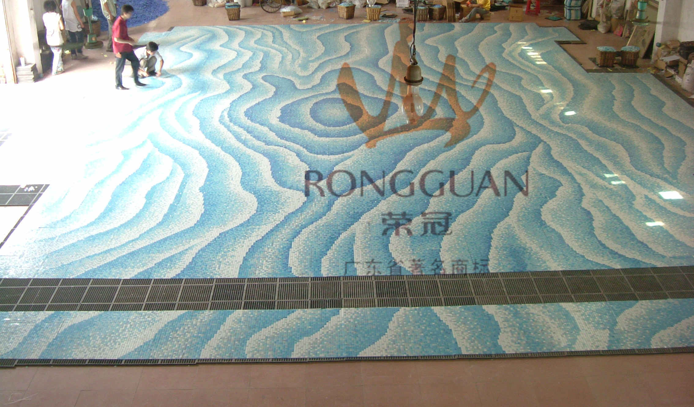 China art decorative material glass mosaic tile design for swimming pool photos pictures - Swimming pool tiles designs ...