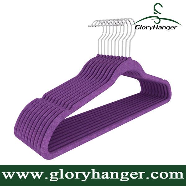 Wholesale Flocking Hanger with Metal Hook Plastic Velvet Clothing Hanger for Suppermarket Hot Sales 2017