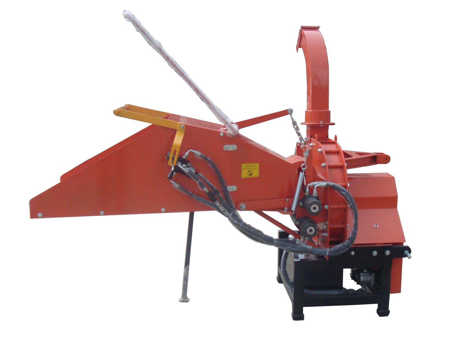 Wood Chipper Th-8, Tractor Pto Shaft Driven, CE Certificate, Two Hydraulic Feeding Rollers