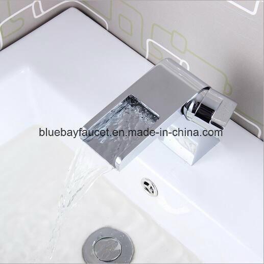 2017 New Design Brass Waterfall Bathroom Basin Faucet
