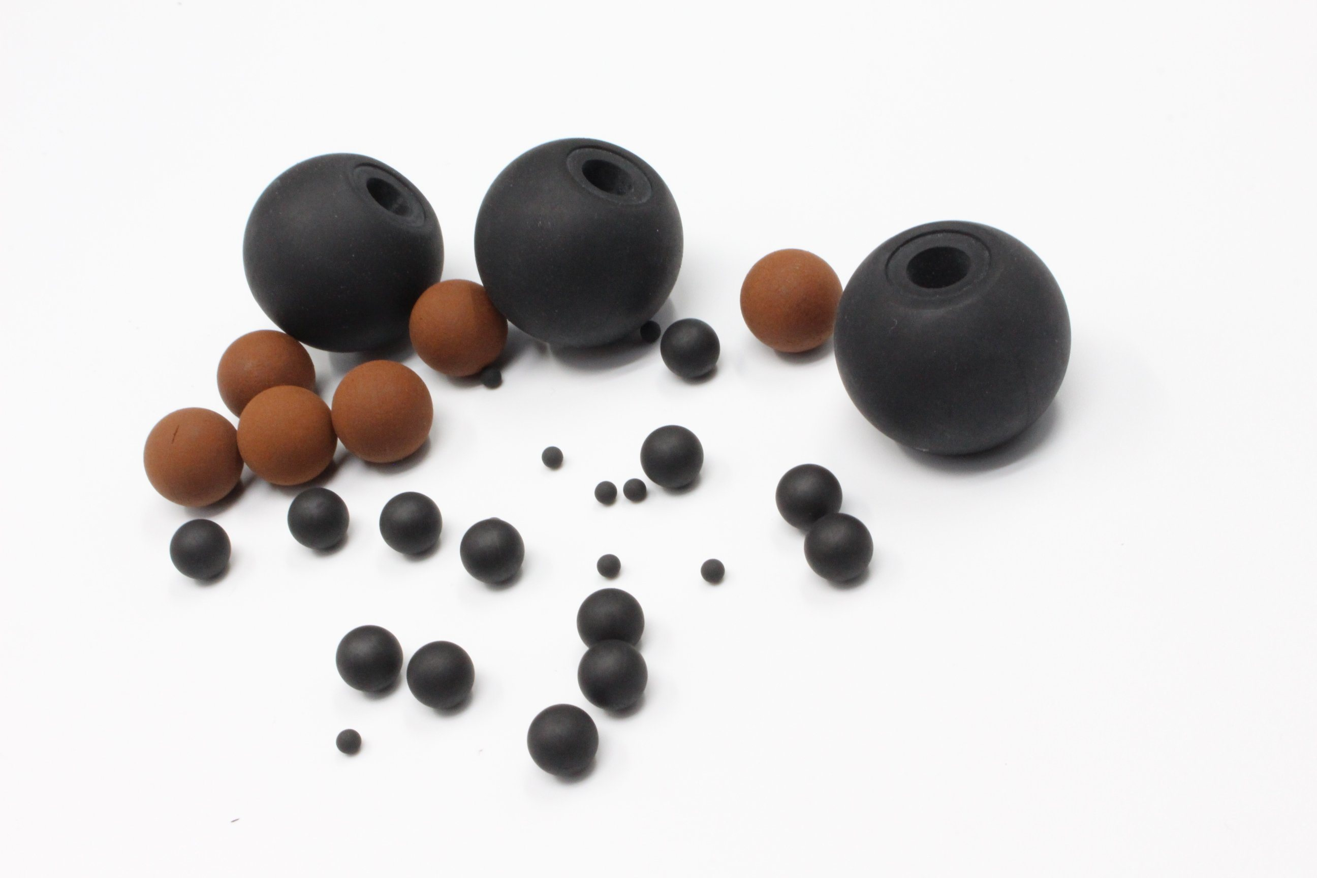 NBR/Nr 90 Shore Hard Rubber Ball