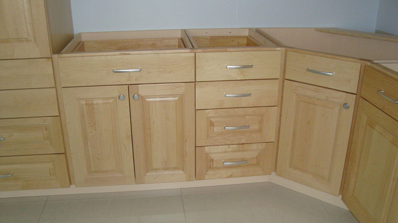 China north american maple solid wood kitchen cabinet for Solid wood cabinets