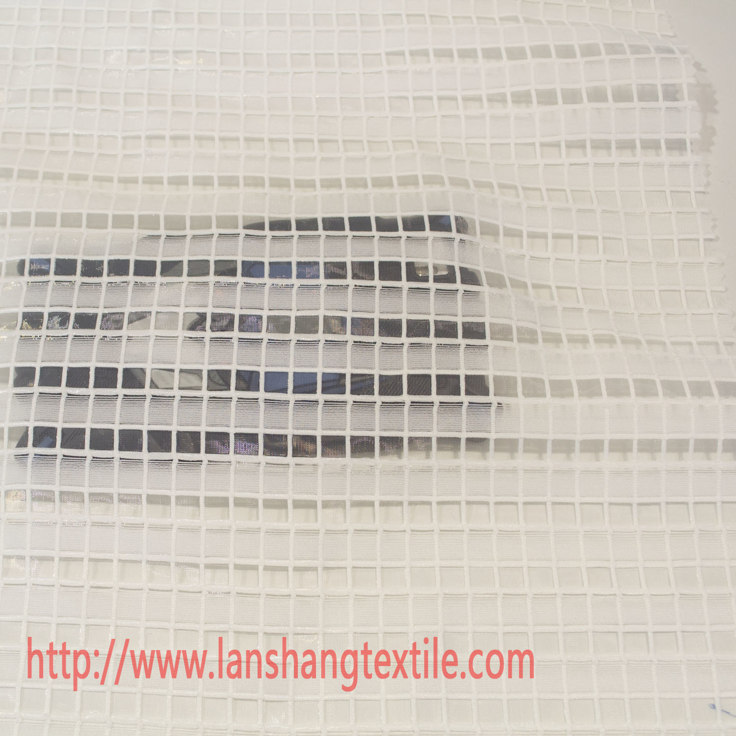 Polyester Fabric Dyed Jacquard Fabric Lattice Fabric Chemical Fabric for Garment Dress Curtain