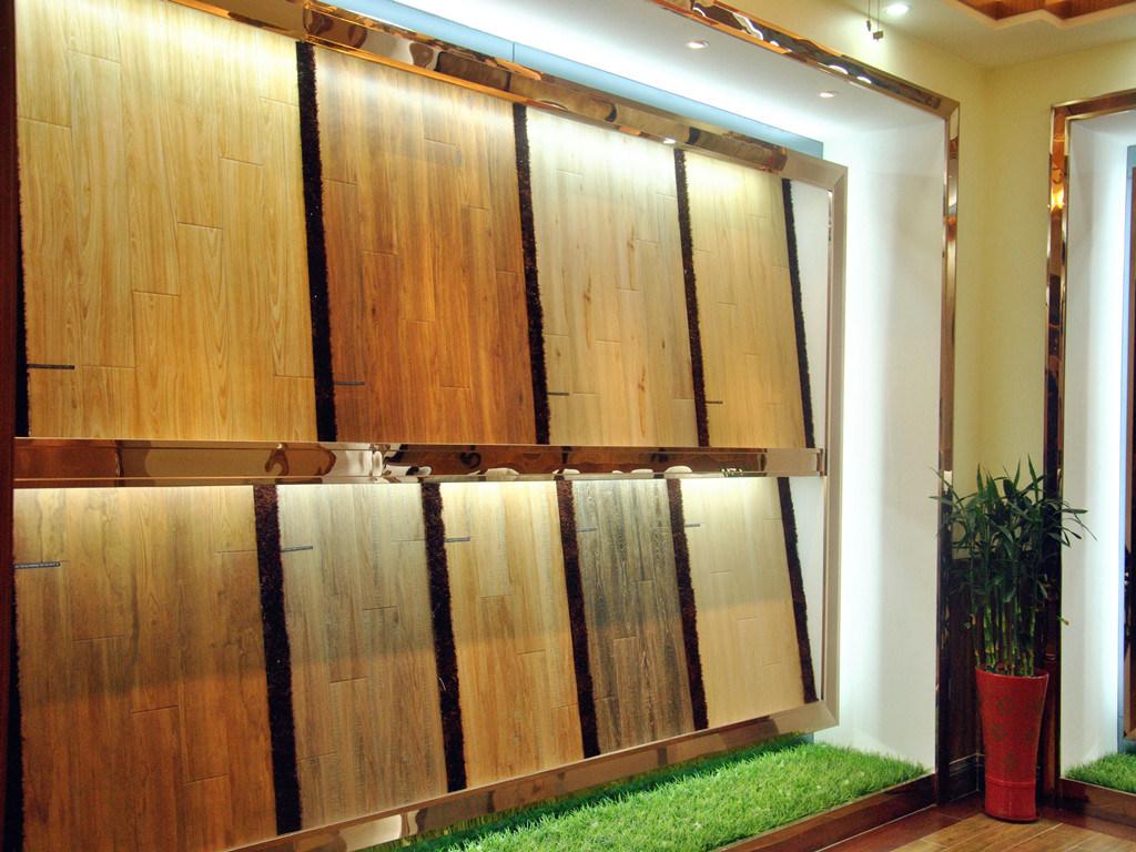 Original Wood Looking Buildings Material 3D Wood Ceramic Tiles