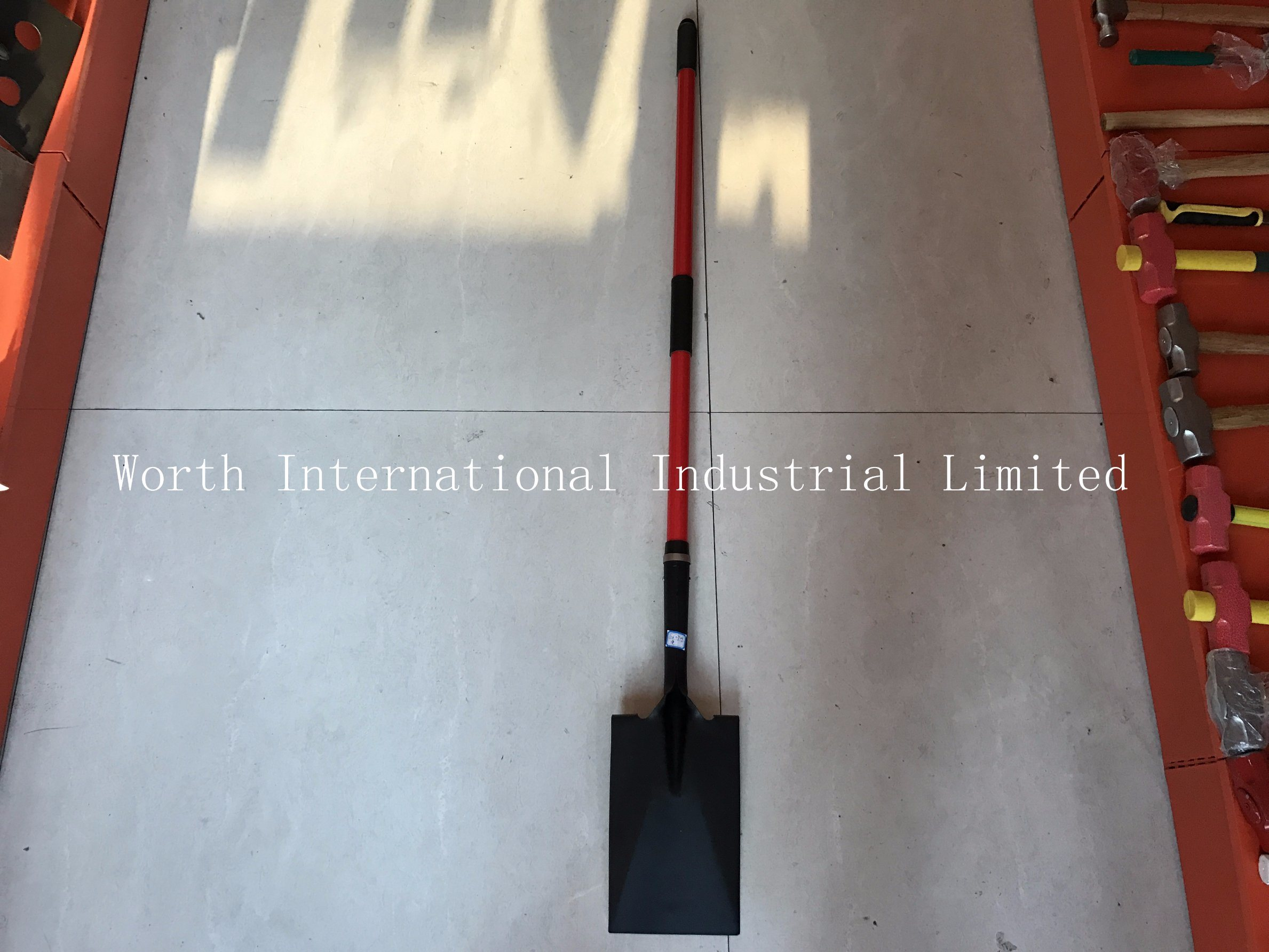 Long Fiberglass Handle Spade