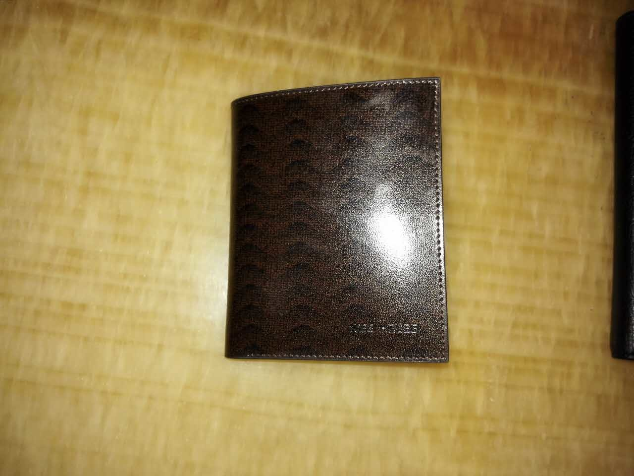 Guangzhou Supplier Designer Real Leather Mens Wallet Purse (Z-112)