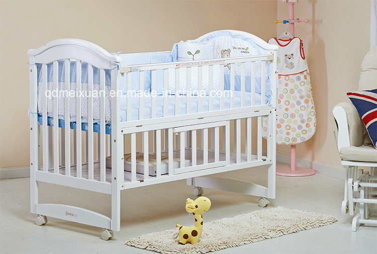 Hot Selling Wooden Baby Crib Nice Style Baby Crib Baby Bed (M-X1022)